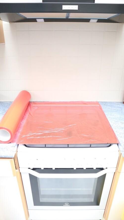 Film adhésif multi-usage rouge KINGPRO MTU - protection de chantier - plan de travail cuisine - verre